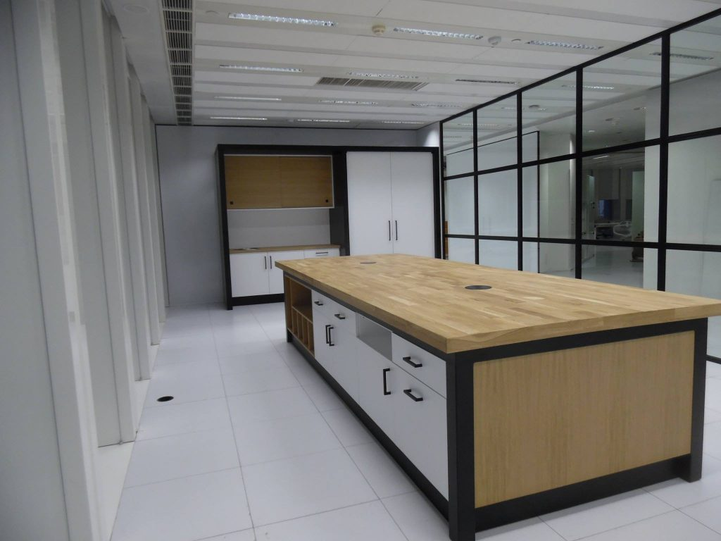 Oficinas y laboratorio de Muebles Ramycor