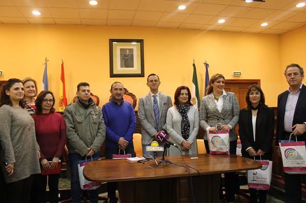 Empresarios del mueble de Valverde del Camino estrechan lazos con el sector de Lucena