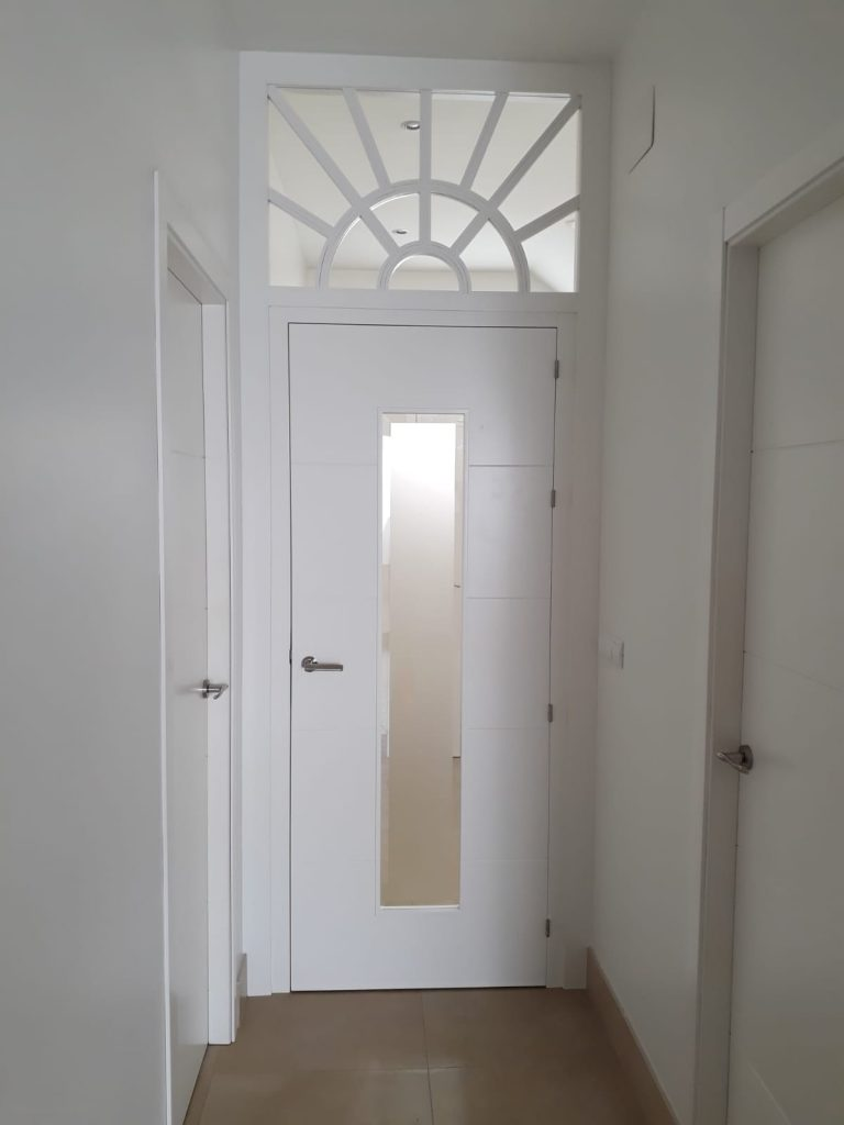 Puerta de paso interior