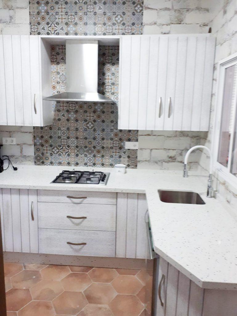 cocina blanca Muebles Mudeval