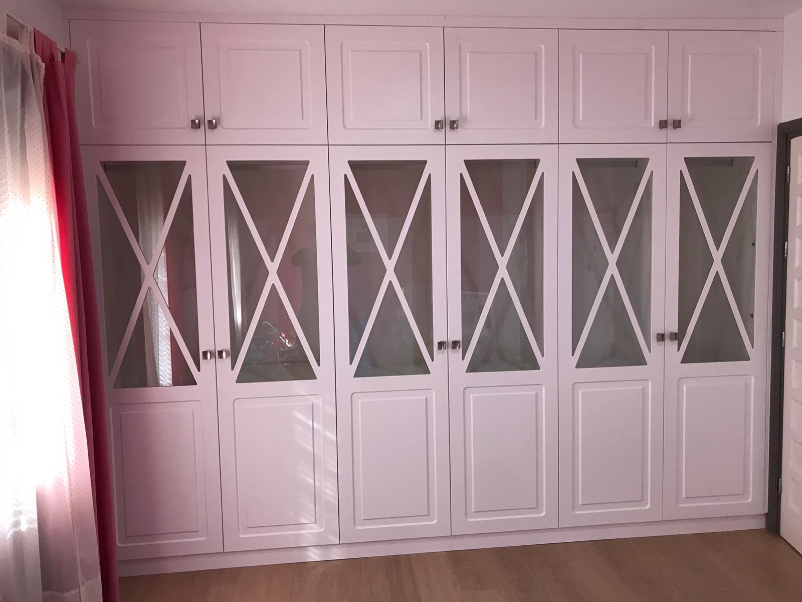 Armario seis puertas