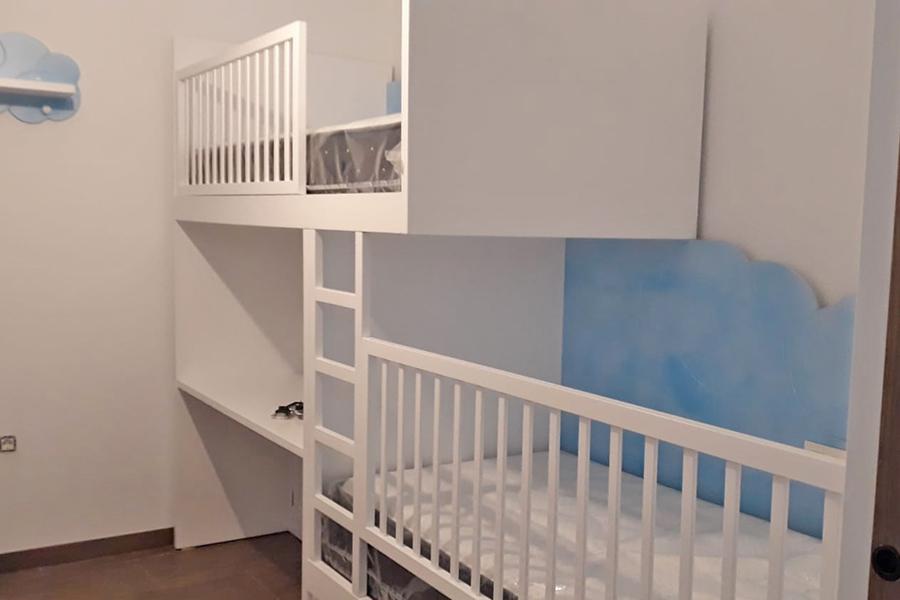 Dormitorio juvenil con cama block a medida