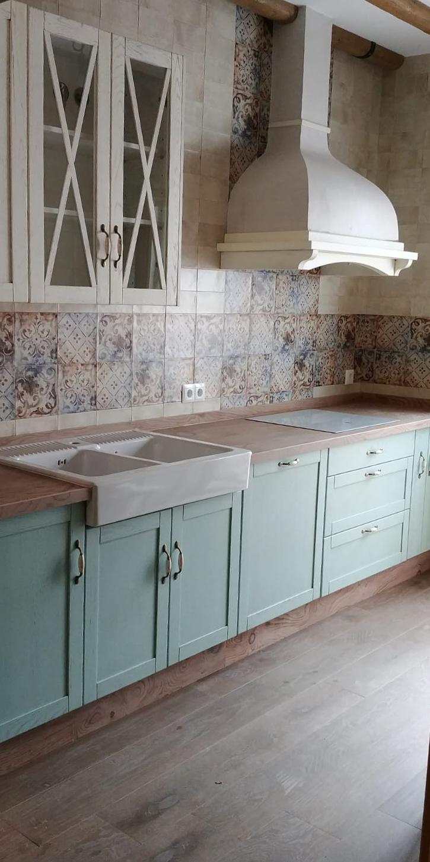 cocina a medida en colores pastel muebles mudeval