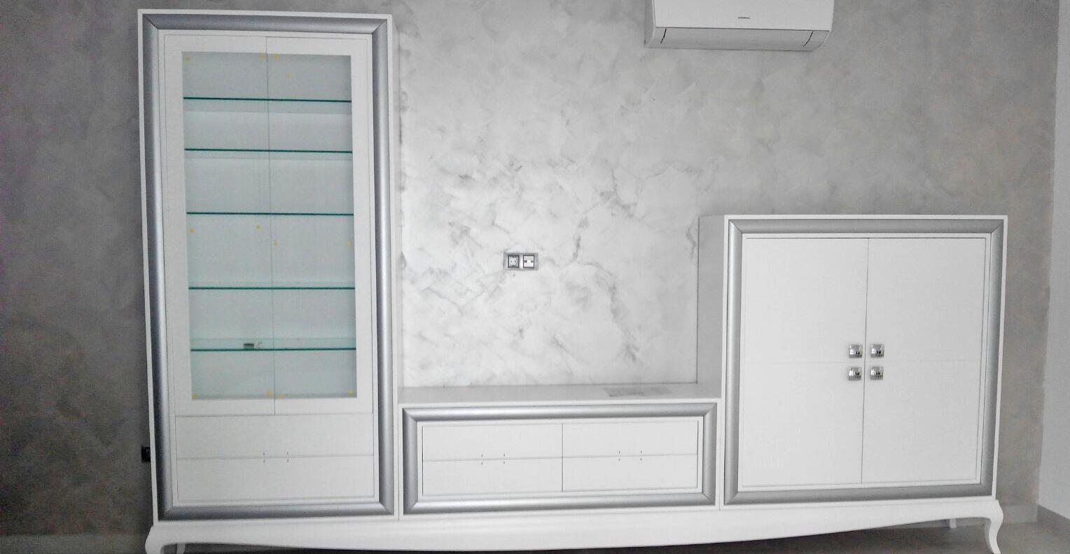 Salón blanco y gris de muebles Valarte