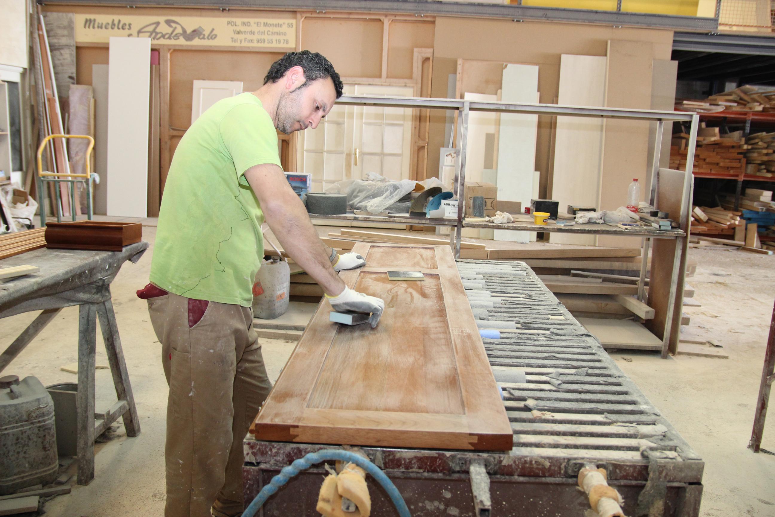 El mueble a medida de Valverde genera más de un centenar de empleos directos y duplica los indirectos