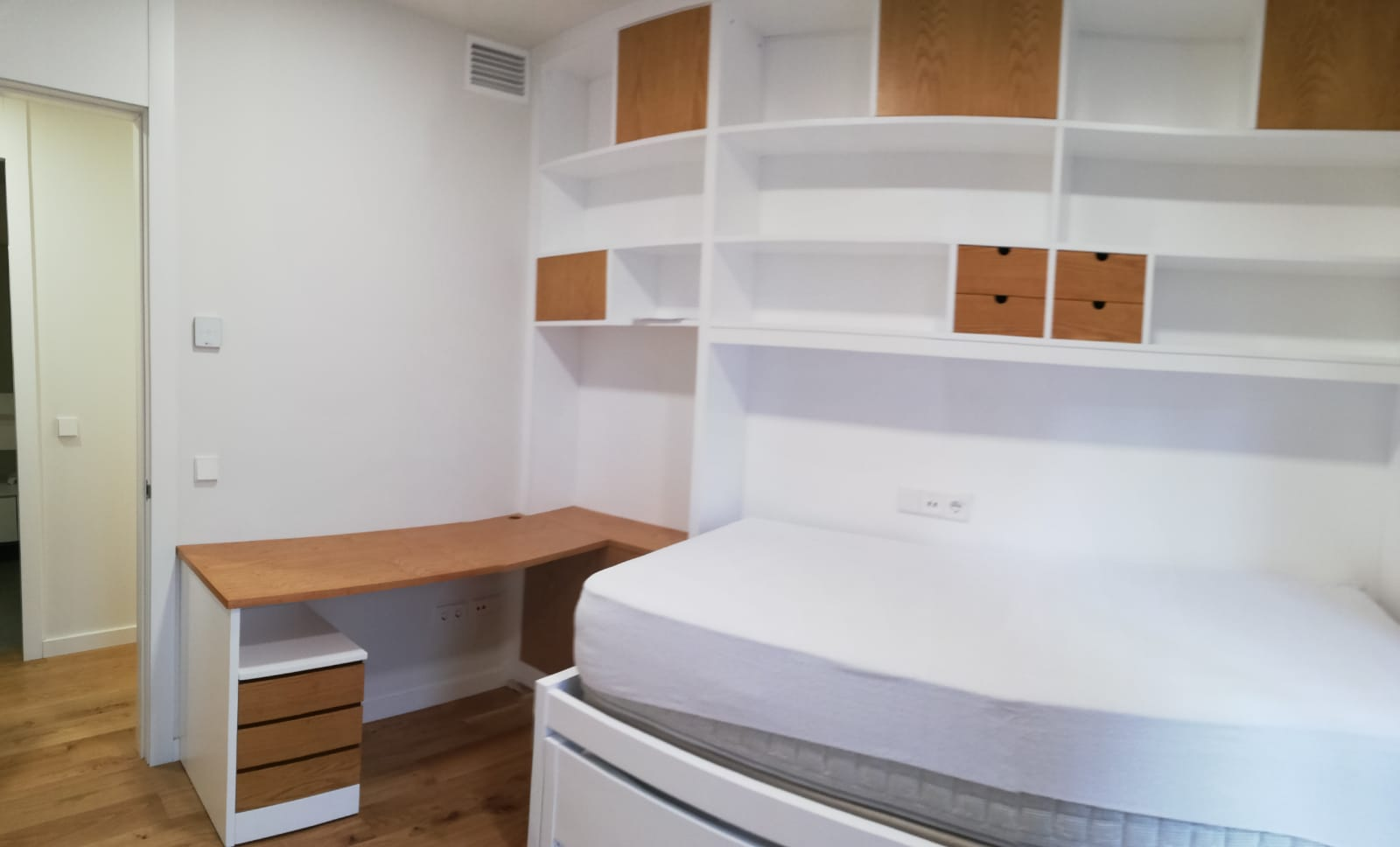 Habitaciones juveniles con espacio extra para estudiar