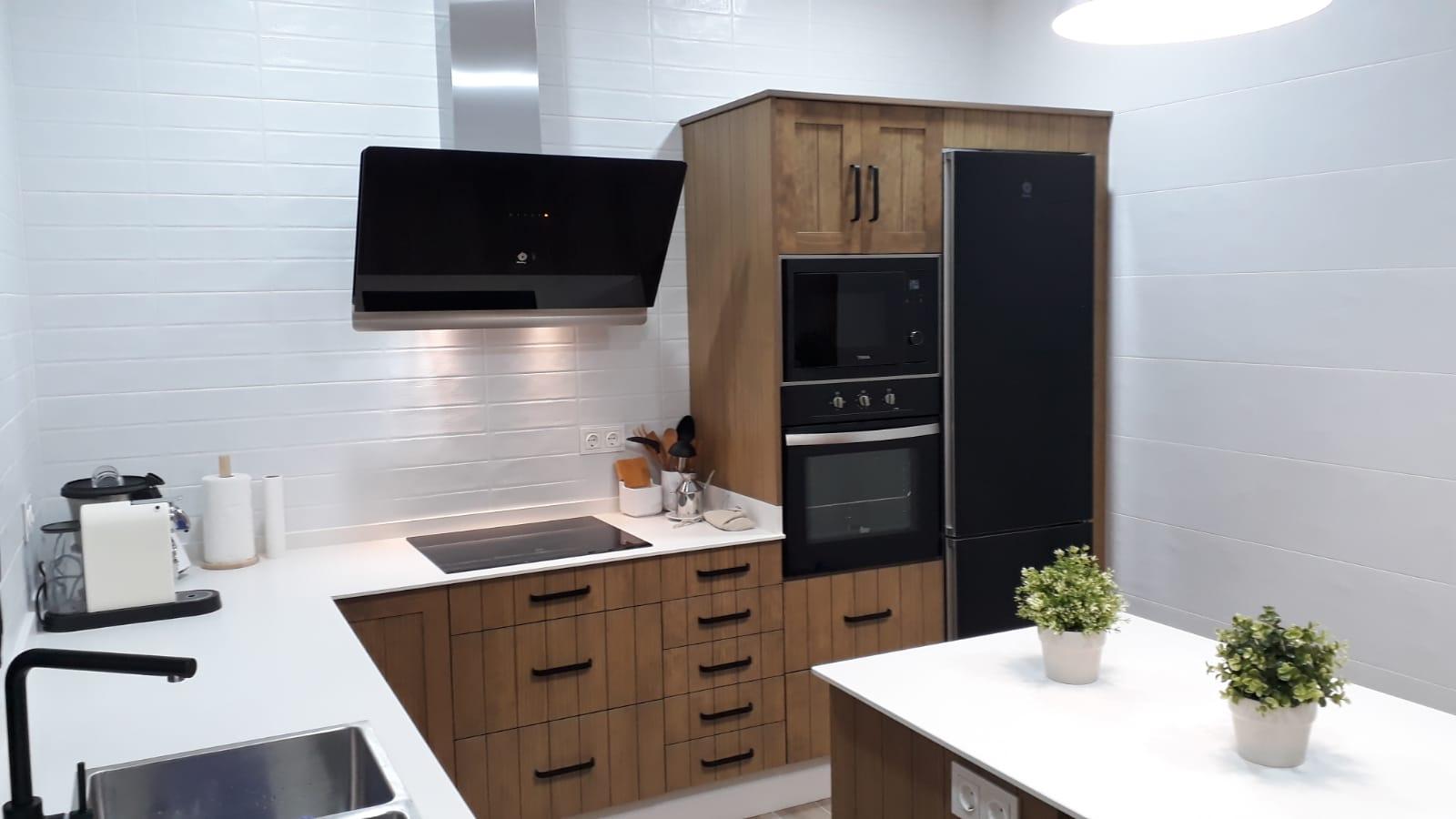 Cocina a medida: elegante y práctica