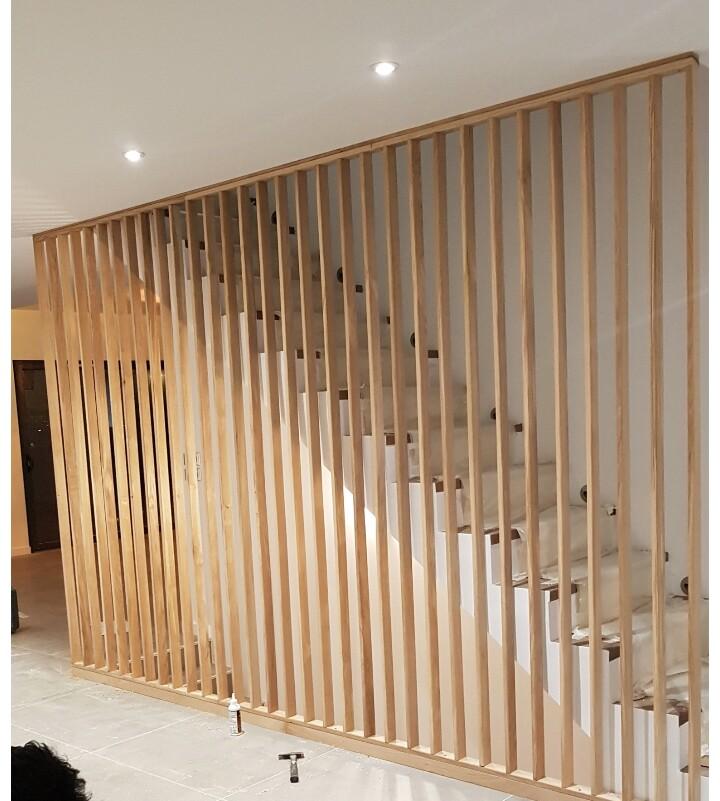 Diseño y originalidad: separador de ambientes y seguridad para tus escaleras