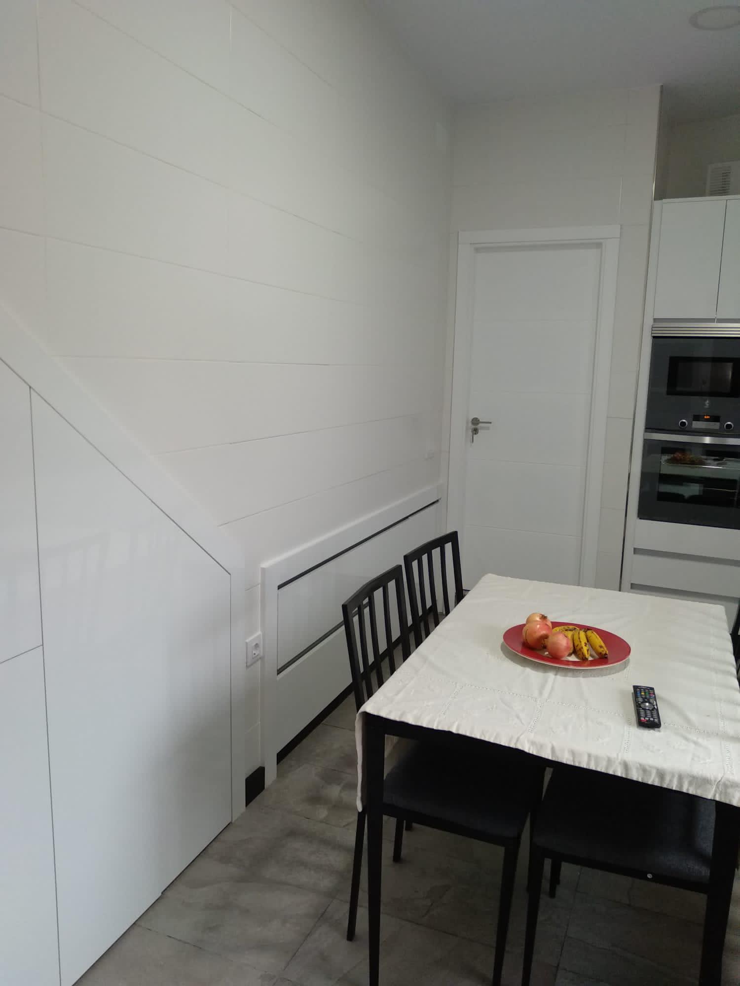 Cocina a medida con extra de espacio