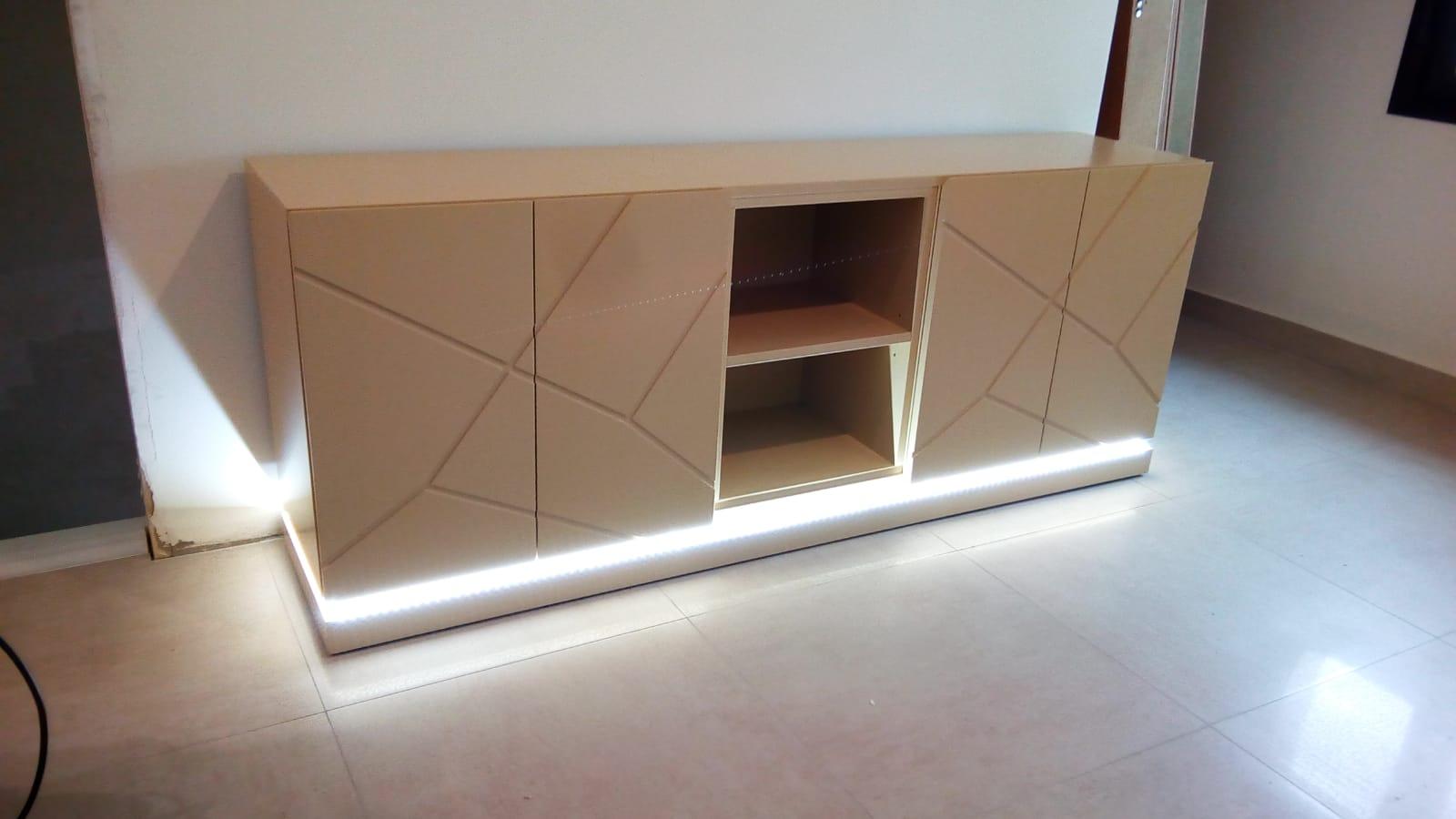 Aparador y mueble de televisión con LED decorativa