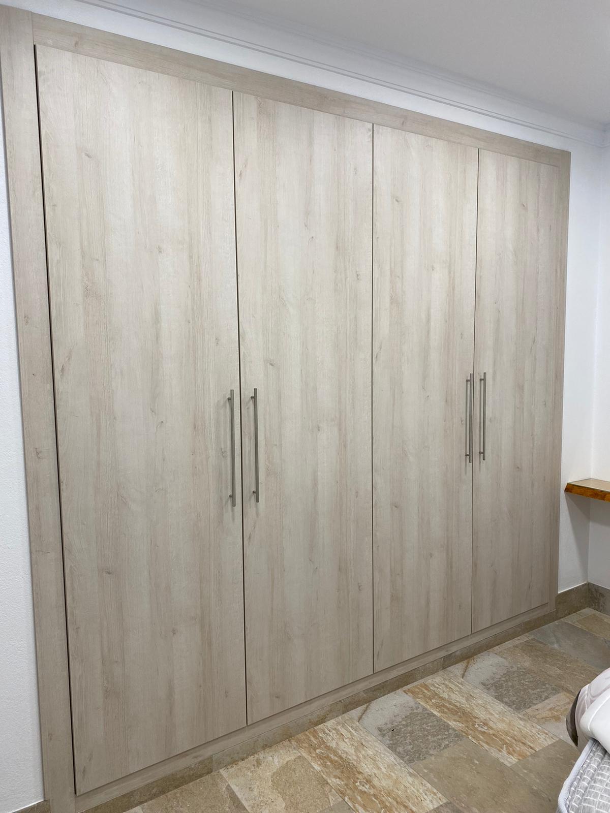 Puertas de armario modernas y actuales